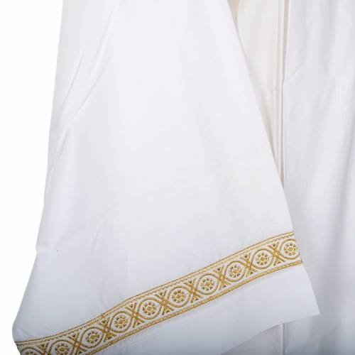Alb with embroidered decoration twisted, white wool s4