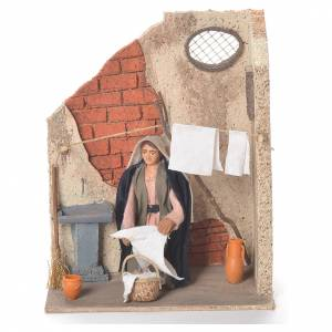 Animated woman hanging clothes 10cm Neapolitan Nativity s1