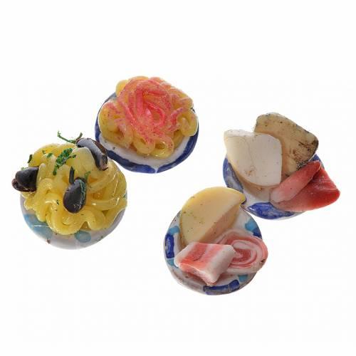 Assiettes rondes avec nourriture pour crèche 1,5 cm s3