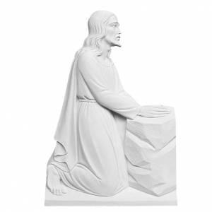 Articles funéraires: Bas relief Christ à genoux marbre reconstitué 47cm