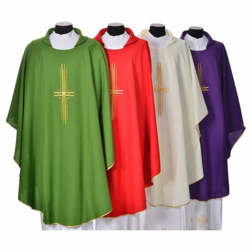 Chasuble in polyester with golden cross s1