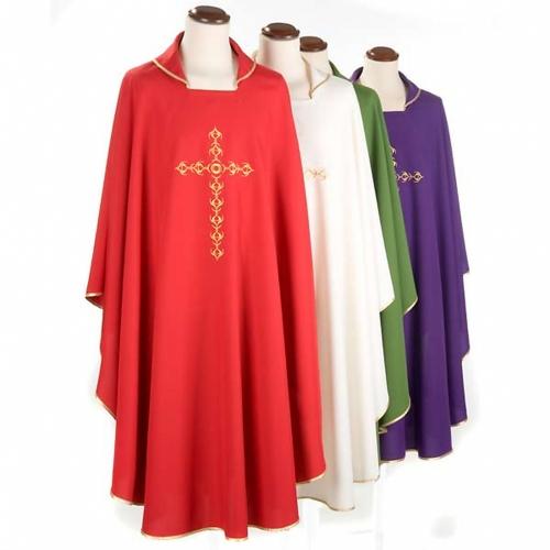 Chasuble liturgique avec croix dorée brodée s4