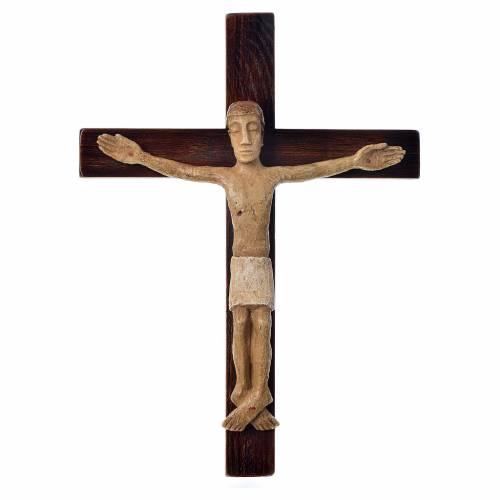 Crocifisso in pietra su legno h 34 cm Bethléem s1