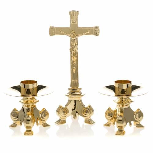 Croix d'autel et chandeliers laiton s1