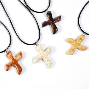Croix pendentif de Saint André A en céramique s1