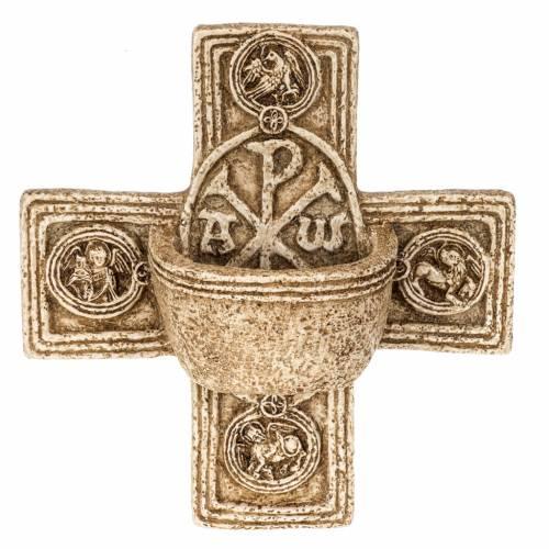 Cross-shaped stoup in stone, Bethléem s1