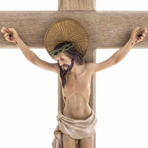 Crucifix bois 40 cm corps résine s2