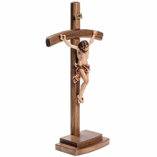 Crucifix in wood with base and curbed cross s3
