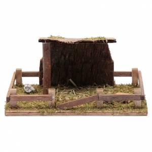 Maisons, milieux, ateliers, puits: Enclos avec auvent pour santons d'animaux 7,5x18x12 cm
