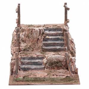 Maisons, milieux, ateliers, puits: Escalier avec balustrade pour crèche 16x18x24 cm