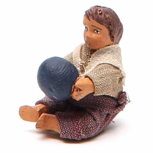Fanciullo con palla seduto 10 cm presepe napoletano s2