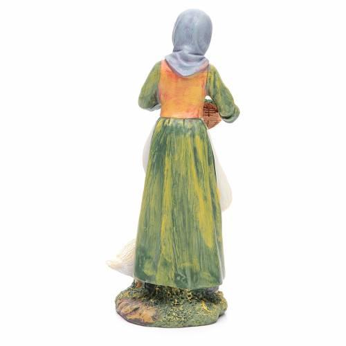 Femme avec oies 30 cm résine s2