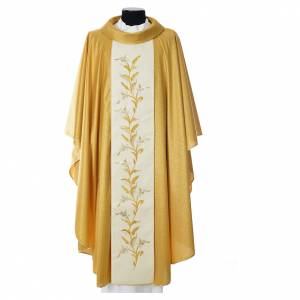 Chasubles: Gold chasuble in wool with double twisted yarn and embroidery