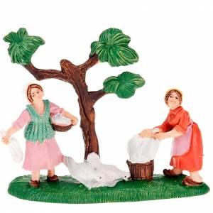 Figuras del Belén: Lavanderas con gallinas y árbol ambientación 8 cm.