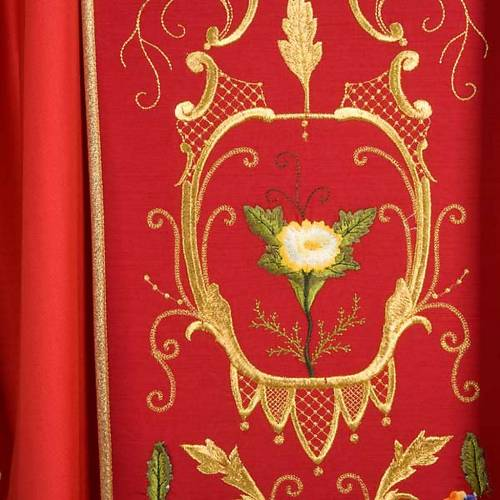 Liturgical vestment with floral and gold motifs s6