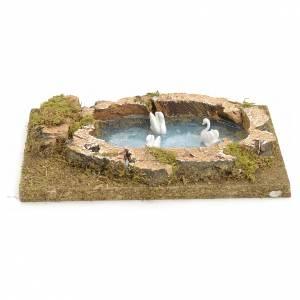 Ponts, ruisseaux, palissades pour crèche: Mini lac avec cygnes pour crèche 20x13