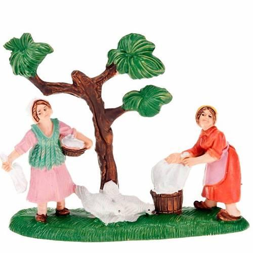 Nativity setting, washerwomen figurines with chickens 8cm s1