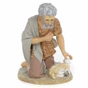 Statue per presepi: Pastore offre agnello 40 cm pasta di legno dec. fine