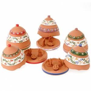 Krippe aus Terrakotta: Tannenzapfen aus Terrakotta mit Geburtsszene