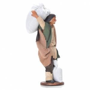 Uomo con sacchi di farina 14 cm presepe napoletano s2