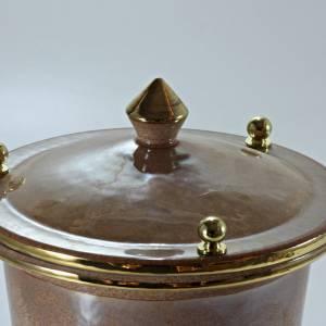 Urna cineraria cerámica con perillas cruz viola s2