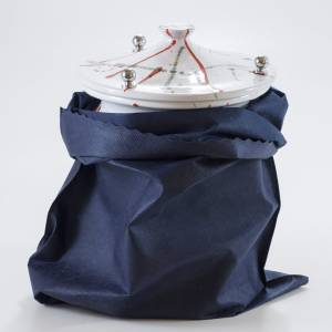 Urna cineraria cerámica perilla latón salpicaduras s4