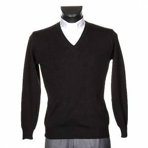 V-neck black pullover s1