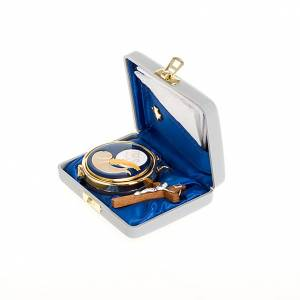White pyx case with pyx, cross and towel s3