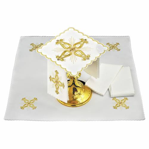 Altar linen golden baroque cross with flower s1
