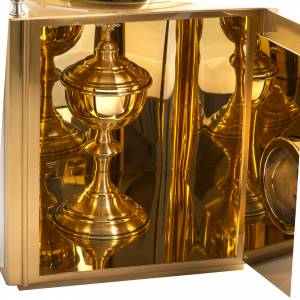 Tabernacles: Altar Tabernacle in brass with small windows