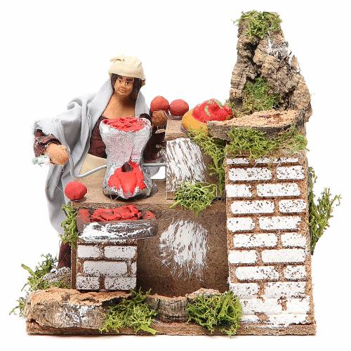 Animated nativity figurine 10cm woman with tomatoes s1