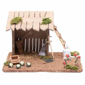 Maisons, milieux, ateliers, puits: Auvent avec potager pour crèche 17x26x20 cm