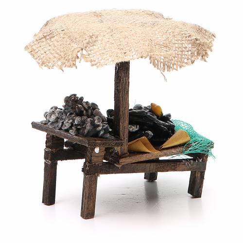 Banchetto presepe cozze vongole con ombrello 12x10x12 cm s3