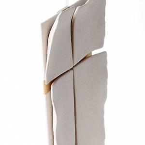 Bas relief croix dorée s3