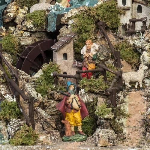 Bourg illuminé crèche Noel avec étable cascade s13