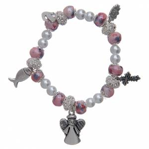 Bracciale elastico con grani decorati rosa con ciondoli simboli cristiani s1