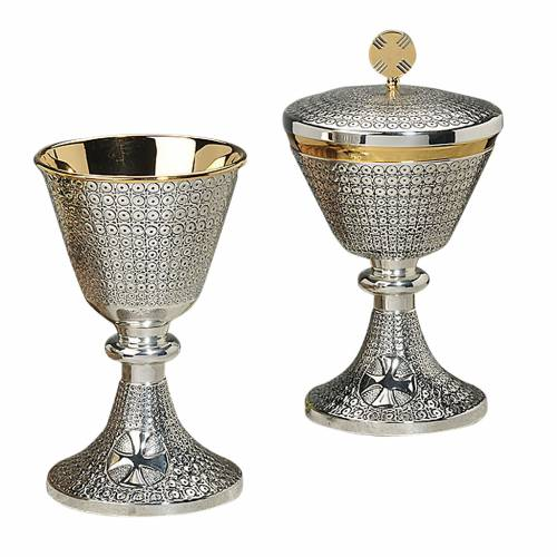 Chalice and ciborium with Celtic cross and circles s1
