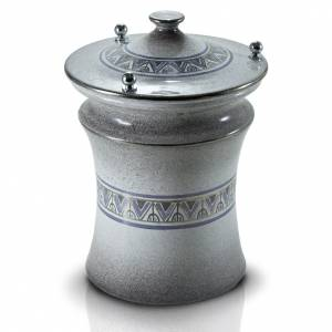 Cinerary urn in ceramic with pommels, brass, pearl and platinum s1