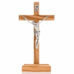 Crocifisso da tavolo dorato legno olivo e metallo argentato s1