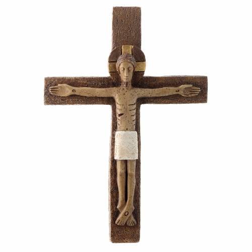 Crucifix en pierre s1