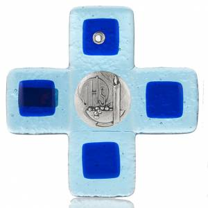 Plexiglás Crucifijos: Cruz vidrio Murano azul claro con placa IHS