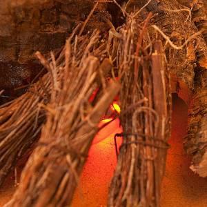Feu électrique  pour crèche avec rocher en li&egra s2