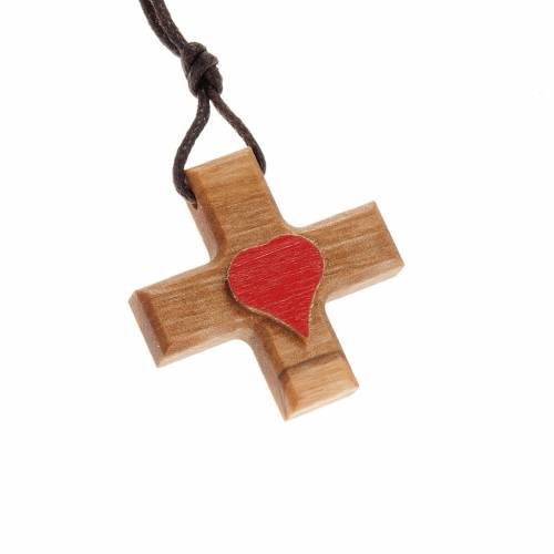 Greek cross pendant in olive wood with heart s1