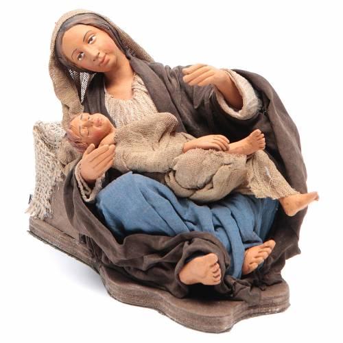 Mamá con niño sentada 30 cm movimiento Belén Napolitano s1