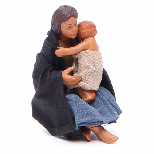 Maman assise à terre avec bébé 10 cm crèche Naples s3