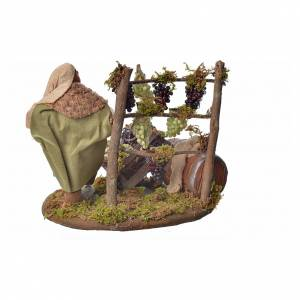 Neapolitan Nativity figurine, man harvesting grapes, 10 cm s3