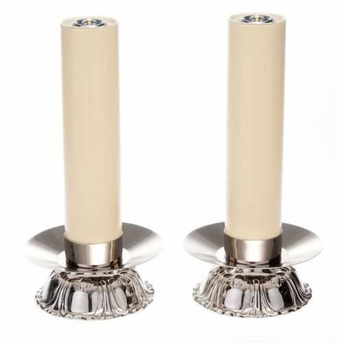 Pair of candle holders with rounded base s1