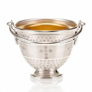 accessoires pour bénédictions: Seau à eau bénite laiton bosselé avec decoration croix
