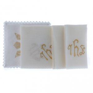 Servizio da altare lino ricami dorati figure geometriche simbolo JHS s2