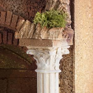 Temple romano estilo antiguo con arco, belén s4